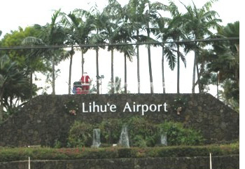 Santa welcomes travelers to Lihue