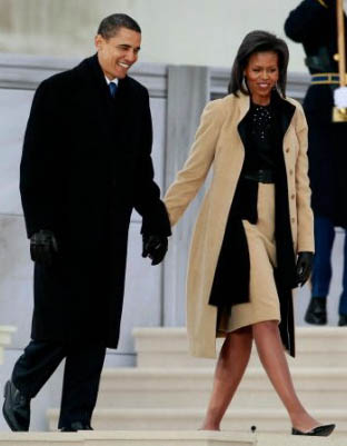 The Obamas on Jan. 18 on the steps of the Lincoln Memorial. Photo by Mark Wilson / Getty Images from www.mrs-o.org
