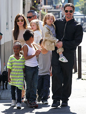 Happy Birthday Vivienne and Knox Jolie-Pitt | Le Top blog